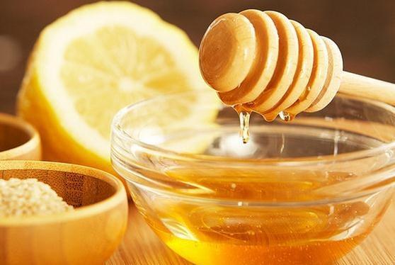 Miel con limón para cantar ¿Mito o Realidad?